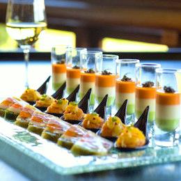見た目にも華やかなお料理が宴に彩りを添えます